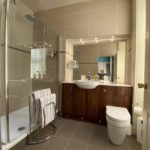 Turnberry_room_ensuite